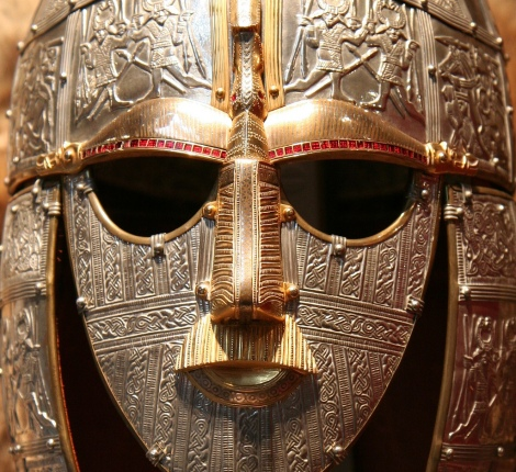 Sutton_Hoo_replica_(face)